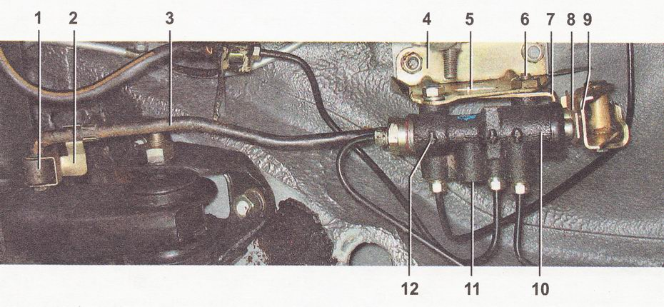 Устройство регулятора давления тормозов в задних тормозных механизмах на автомобиле ВАЗ 2110, ВАЗ 2111, ВАЗ 2112