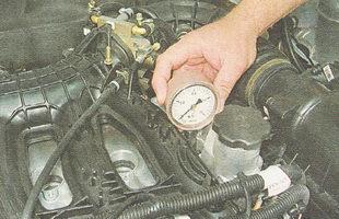 проверка компрессии в цилиндрах двигателя ВАЗ 2110