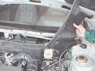 левая часть обшивки моторного отсека