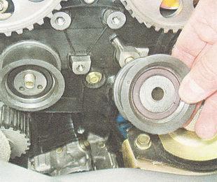 направляющий ролик ремня привода ГРМ ВАЗ 2110