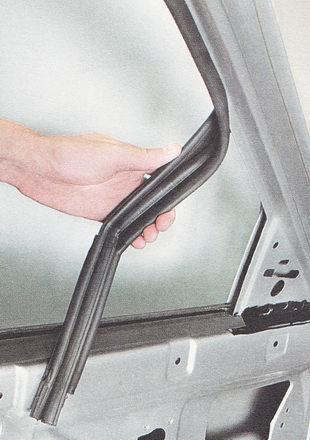 верхний резиновый уплотнитель стекла