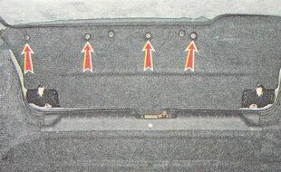 держатели верхнего крепления обшивки крышки багажника