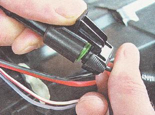 разъем электровентилятора отопителя