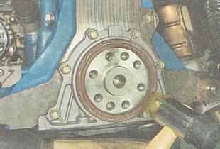 установка заднего сальника коленчатого вала ВАЗ 2110
