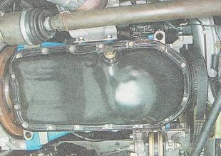 болты крепления поддона картера двигателя ВАЗ 2111