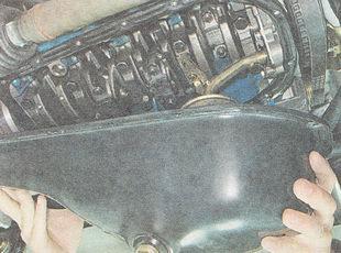 снимаем поддон картера двигателя ВАЗ 2112