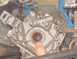 снимаем масляный насос с двигателя ВАЗ 2112