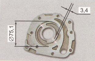 диаметр посадочного места ведомой шестерни в корпусе масляного насоса