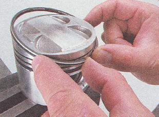 установка поршневых колец