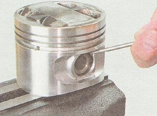стопорное кольцо поршневого пальца ВАЗ 2110