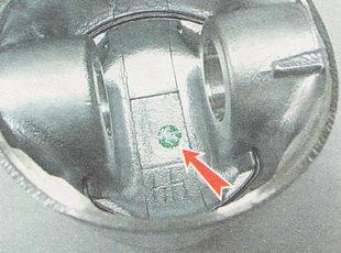 краской указывается требуемый класс поршневого пальца