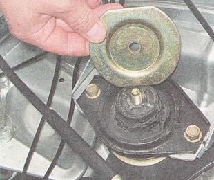верхний ограничитель опоры двигателя
