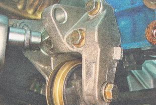 болты крепления нижнего кронштейна генератора