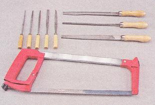 Ножовка по металлу, набор надфилей и напильников