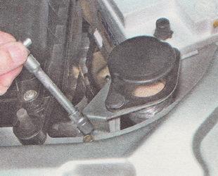 снятие воздушного фильтра ВАЗ 2111