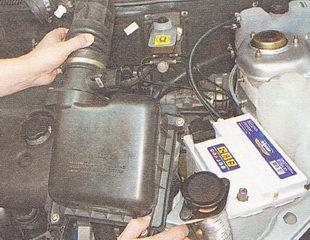 снятие корпуса воздушного фильтра ВАЗ 2112