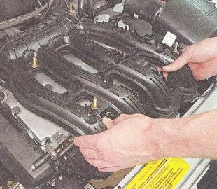 Вп��кной коллек�о� двига�еля 21124 16i ВАЗ 2110 ВАЗ