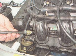 проверка давления в топливной рампе ВАЗ 2111