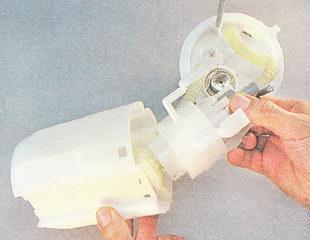 бензонасос в сборе с сетчатым фильтром