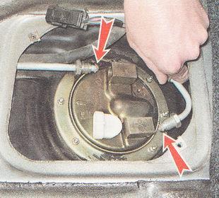 снятие топливного модуля бензонасоса ВАЗ 2111