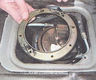 прижимное кольцо топливного модуля бензонасоса