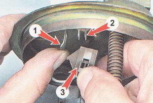 замена датчика указателя уровня топлива ВАЗ 2110