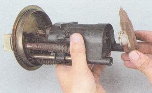 очистка сетчатого фильтра бензонасоса ВАЗ 2112