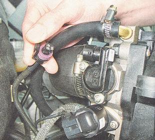 Фото №18 - ВАЗ 2110 замена датчика положения дроссельной заслонки