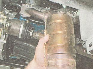 катализатор в сборе с приемной трубой глушителя ВАЗ 2110