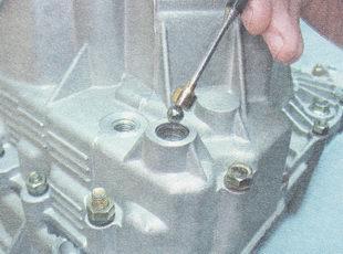 Фото №6 - замена механизма выбора передач ВАЗ 2110