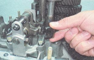 Фото №17 - замена механизма выбора передач ВАЗ 2110