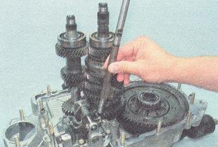 Фото №7 - замена механизма выбора передач ВАЗ 2110