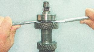 первичный вал коробки передач ВАЗ 2110