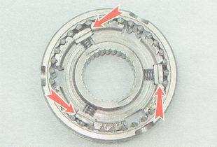 сухари в проточках ступицы муфты должны быть установлены боковыми выступами наружу