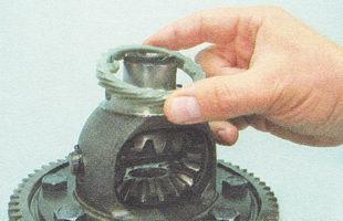 пластмассовая ведущая шестерня привода датчика скорости автомобиля