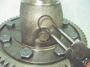 стопорное кольцо оси сателлитов дифференциала