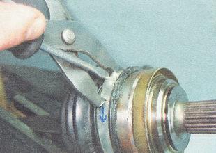 хомуты пыльника ШРУСа устанавливаем с учетом направления вращения привода