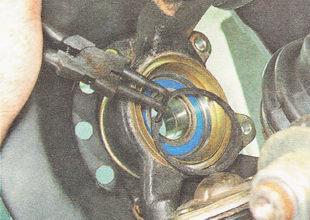 внутреннее стопорное кольцо подшипника ступицы