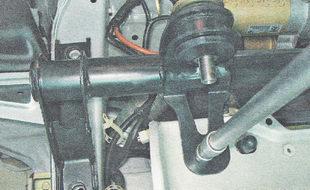 поперечина передней подвески ВАЗ 2112