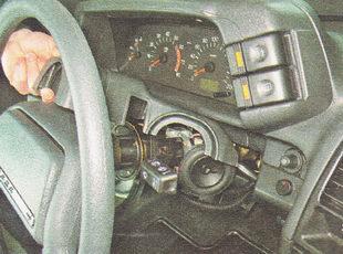 снятие декоративных накладок рулевой колонки ВАЗ 2110