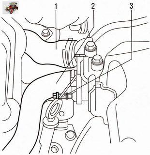 Крепления шлангов системы охлаждения к патрубкам водяного насоса и к термостату Опель Астра Н