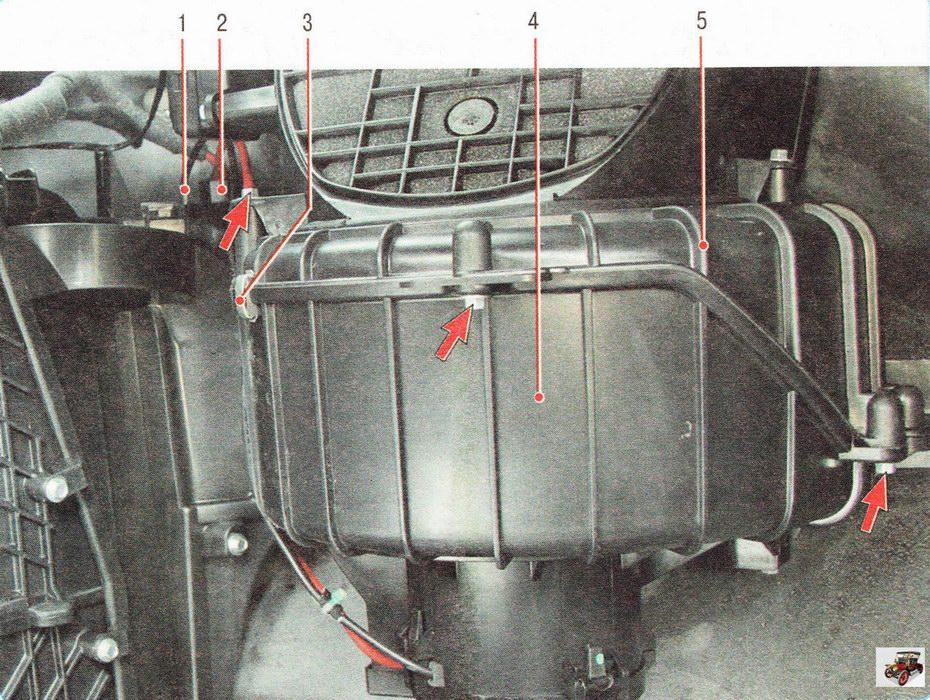 Снятие электровентилятора воздухонагнетателя на автомобиле Опель Астра Н
