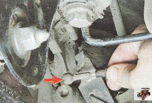 наконечник троса стояночного тормоза