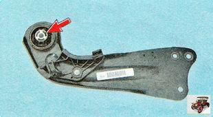 продольный рычаг задней подвески и сайлентблок (резинометаллический шарнир)