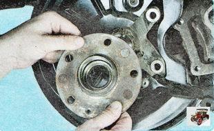 ступицу заднего колеса в сборе с подшипником Шкода Октавия А5