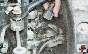 колодка жгута проводов (с левой и правой стороны) датчика частоты вращения заднего колеса