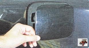 откидная крышка бензобака