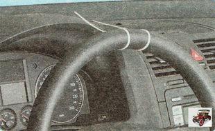 проверка свободного хода (люфта) рулевого колеса