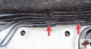 проверьте крепление тормозных трубок в держателях
