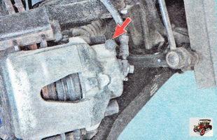 защитные колпачки штуцеров прокачки тормозных механизмов